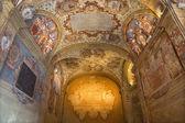 BOLOGNA, ITALY - MARCH 15, 2014: Ceiling and walls of external atrium of Archiginnasio. — Stock Photo