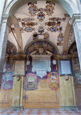 BOLOGNA, ITALY - MARCH 15, 2014: Porcicos and atrium from the entry to external atrium of Archiginnasio. — Стоковое фото