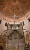 BOLOGNA, ITALY - MARCH 16, 2014: Romanic church in st. Stephen or Santo Stefano churches complex. — Stockfoto