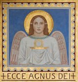 VIENNA, AUSTRIA - JULY 27, 2013: Fresco of symbolic angel with the Eucharist by P. Verkade (1927) from side altar in Carmelites church in Dobling. — Stock Photo