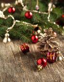 圣诞装饰木制背景上 — 图库照片