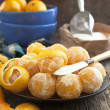 Fresh ripe orange tangerines on a wooden table. — Stock Photo