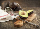Verse avocadotaze avokado — Stok fotoğraf