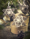 Vintage Christmas Composition with gift box and ornaments — Stock Photo
