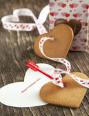 Card with Message Happy Valentine Day and Heart Shaped Cookies — Stock Photo