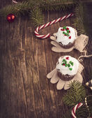 Christmas chocolate cupcakes with cream cheese frosting. — Stock Photo