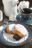 Sfogliatelle, Shell shaped Pastry , Traditional italian pastry — Stock Photo