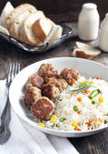 Meatballs and rice with mixed vegetables — Stock Photo