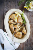 Oven-baked garlic chicken — Stock Photo
