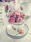 Vintage still life with dry roses — Stockfoto