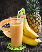 Tropical smoothie — Stock Photo