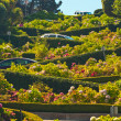 Lombard street with cars in San Francisco. — Stockfoto