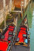 Gros plan des bateaux de la gondole vénitienne. venise. italie. — Photo