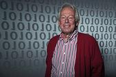 Senior creative digital technology man. Wearing casual red jacke — Stock Photo
