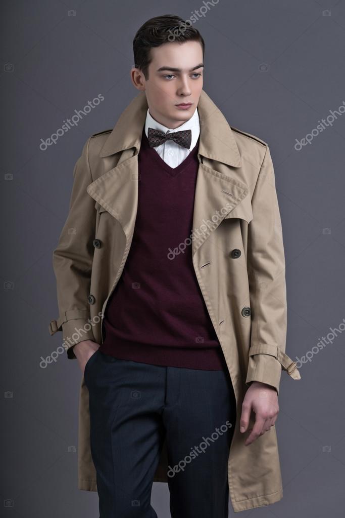 r tro ann es 50 style anglais mode jeune homme avec r brun clair photographie ysbrand 38073457. Black Bedroom Furniture Sets. Home Design Ideas