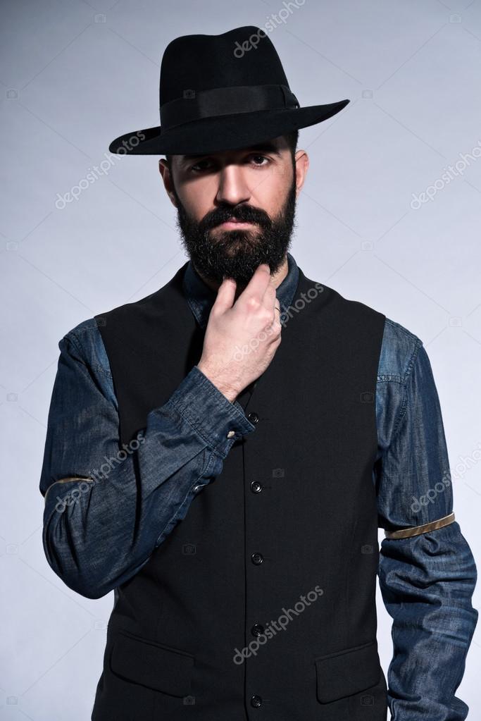 Retro hipster 1900 mode mann in anzug mit schwarzem haar - Hipster anzug ...