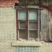 Facade of an old house — Stock Photo