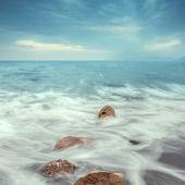 Minimalistické krajina. pobřeží sunrise. — Stock fotografie