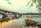 Kyiv Metro bridge in the evening — Stockfoto