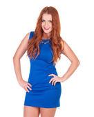 красивая женщина в голубом платье позирует — Стоковое фото