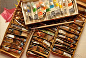 Old oil paints — Stock Photo
