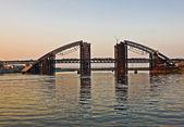 The bridge is under construction — Stock Photo