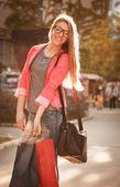 Teenage girl like shopping — Foto Stock