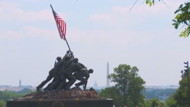 Wide shot of Iwo Jima Memorial — Stock Video