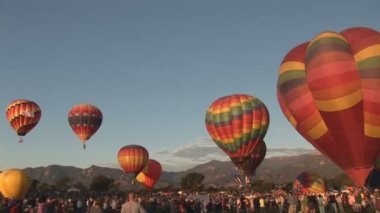 Hot air balloons ascending — Stock Video