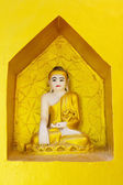 镀金的佛像 — 图库照片