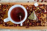 Deicious caffeine tea — Stock Photo