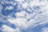 Modrá obloha s oblak closeup — Stock fotografie