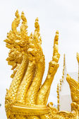 Thai dragon, golden Naga statue in temple — Stockfoto