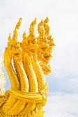 Thai dragon, golden Naga statue in temple — 图库照片