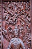 Tallado en madera de ventana en templo, tailandia — Foto de Stock