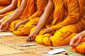 Rahipler ve tay tapınak dini ritüeller — Stok fotoğraf