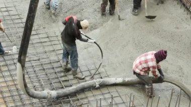 Pouring the concrete floor — Stock Video