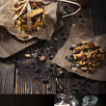 Peanut cookies with jam and condensed milk — Stock Photo