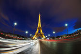 Illuminated Eiffel Tower from Paris, France in the night — Stock Photo