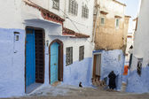 在麦地那的蓝色的小镇舍,摩洛哥街 — 图库照片