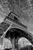 Streets of Paris in black and white. Eiffel Tower — Stock Photo