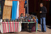 MARRAKECH, MOROCCO - MARCH 5: traditional store on streets on Ma — Stock Photo