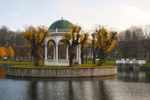 A pond in the Park of Kadriorg, Tallinn — Stock Photo