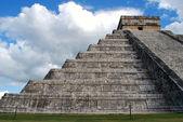 Chichen Itza pyramid — Stock Photo