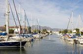 Båtar i hamnen — Stockfoto
