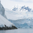 Snow mountains in Antarctic — Stock Photo