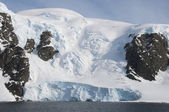 Snow mountains in Antarctic — 图库照片