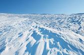снег волны в склон — Стоковое фото