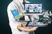 Tecnologia nelle mani — Foto Stock