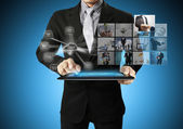 Touch-tablet in hand — Stockfoto